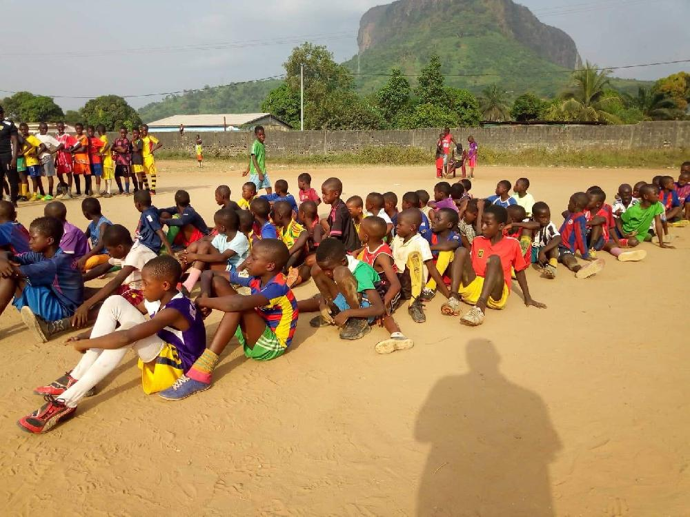 Développement du Sport à la base: la première mission de prospection démarre à Dubréka