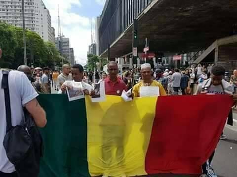 Manifestations anti-Alpha Condé: des Guinéens du Brésil entrent dans la danse