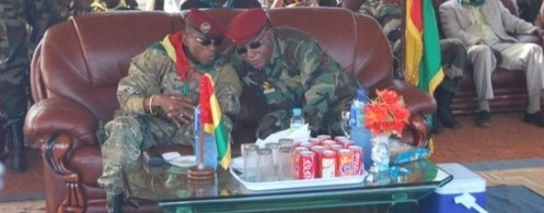Hospitalisé à Paris, le général Konaté reçoit un coup de fil du capitaine Dadis Camara