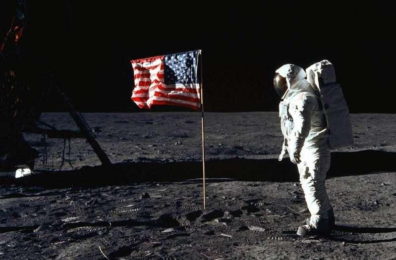 Stephen Curry doute que l'homme ait marché sur la Lune, la NASA l'invite
