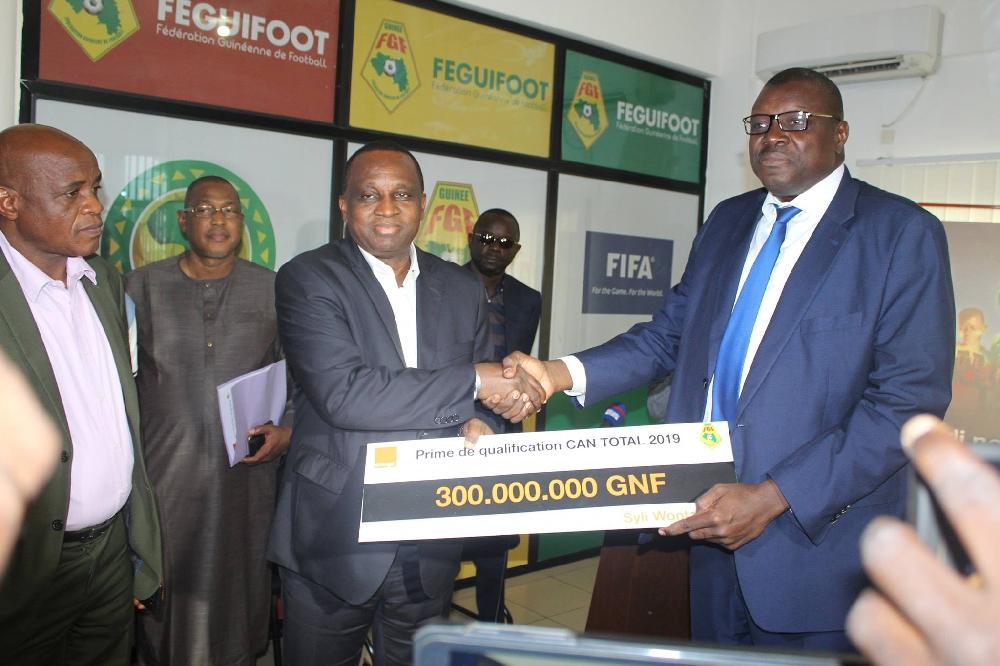 Orange Guinée offre 300 millions GNF au Syli National : Antonio Souaré, reconnaissant du service rendu !