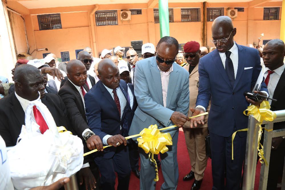 Direction Nationale des Impôts: le Président Alpha Condé lance le numéro d'immatriculation