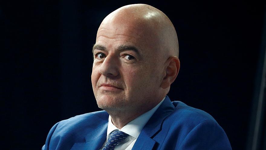 Sports: le président de la Fifa, Infantino, seul au monde