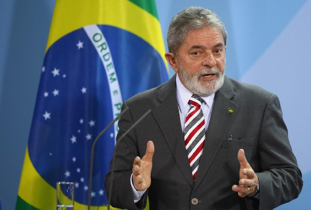 L'ex-président brésilien Lula autorisé à sortir de prison pour des funérailles