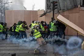 Violences policières : la commissaire aux droits de l'Homme épingle la France