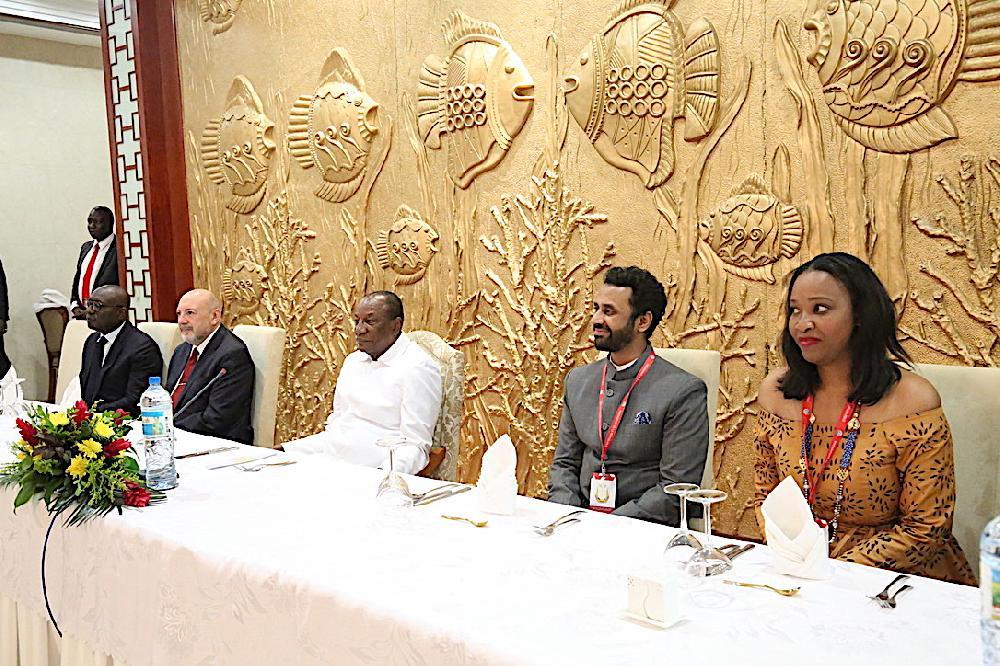 SADEN: le président Condé rassure les entrepreneurs lors d'un dîner à Sékhoutouréyah