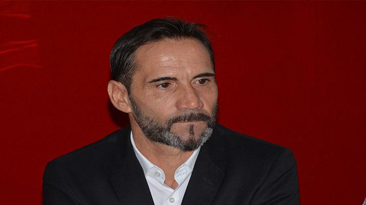 Le nouveau coach du Horoya AC, Didier Gomes, déjà au travail