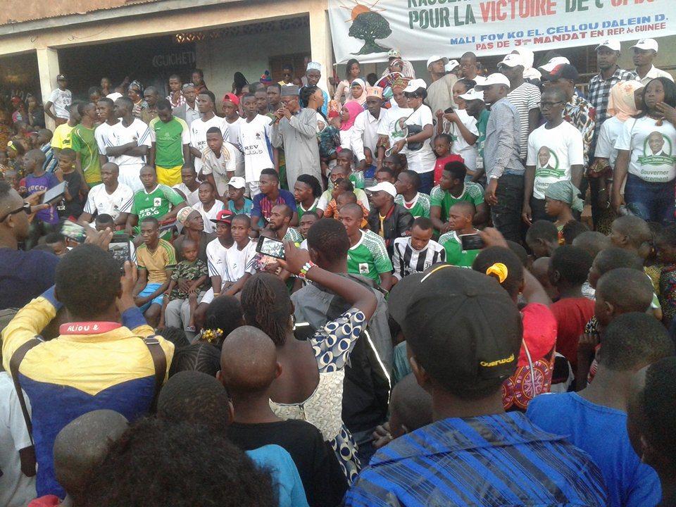 Sékhoutouréyah 2020: des jeunes de Yimbering apportent leur soutien à Cellou Dalein et disent non à un 3e mandat