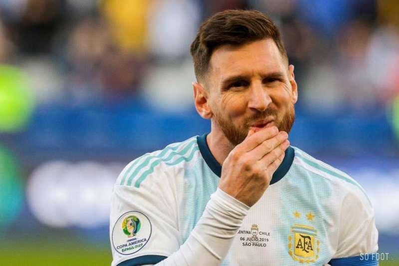 Le restaurant de Messi offre des repas aux sans-abris