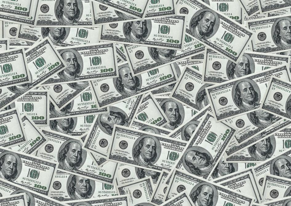 États-Unis : il pleut des billets de banque sur une autoroute