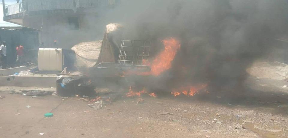 Heurts à Conakry entre forces de sécurité et opposants à un 3e mandat de Condé