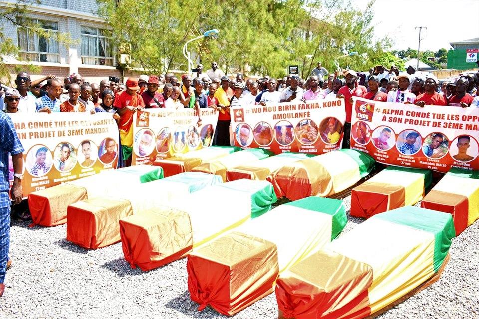 Tueries à Conakry: la communauté internationale hausse le ton et