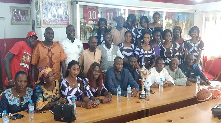 Ligue 1 Basketball: les championnes du Horoya AC reçues par le président Soufiane Souaré