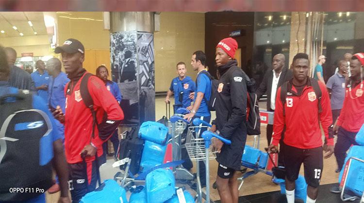 Coupe de la CAF: arrivée des joueurs du Horoya AC à Johannesbourg