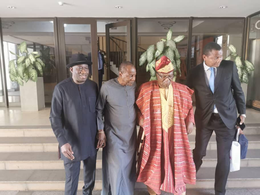 Crise politique en Guinée: deux anciens chefs d'Etats Africains demandent à Alpha Condé de se déterminer enfin