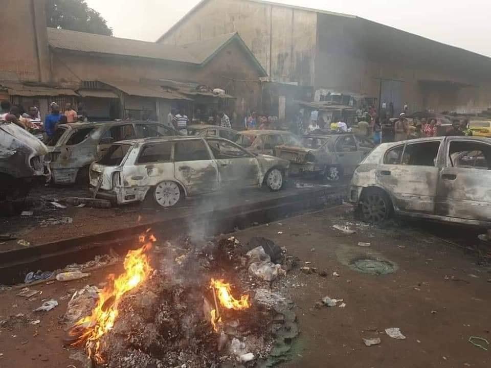 Tribune / Des édifices publics et véhicules brûlés : attention à la diversion, poursuivons la lutte