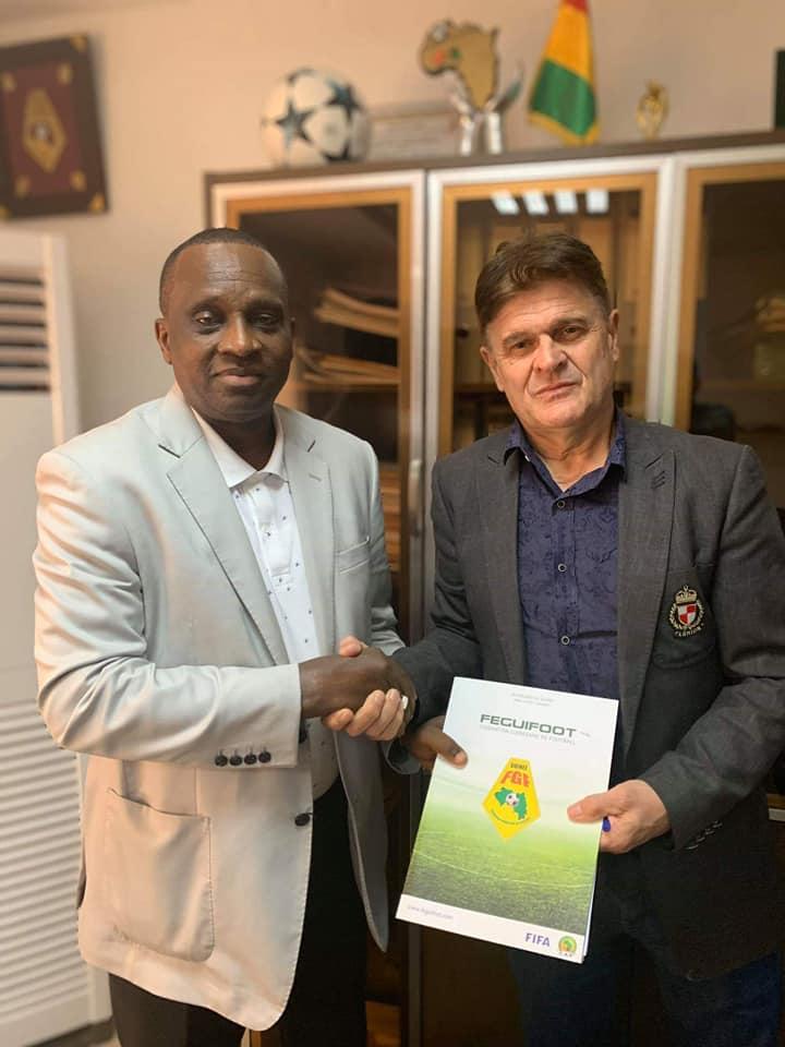 Football: Didier Six, signe un contrat de 3 ans à la tête du Syli National
