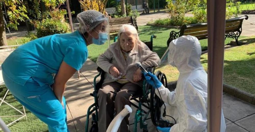 Chili: une femme de 111 ans survit au Coronavirus