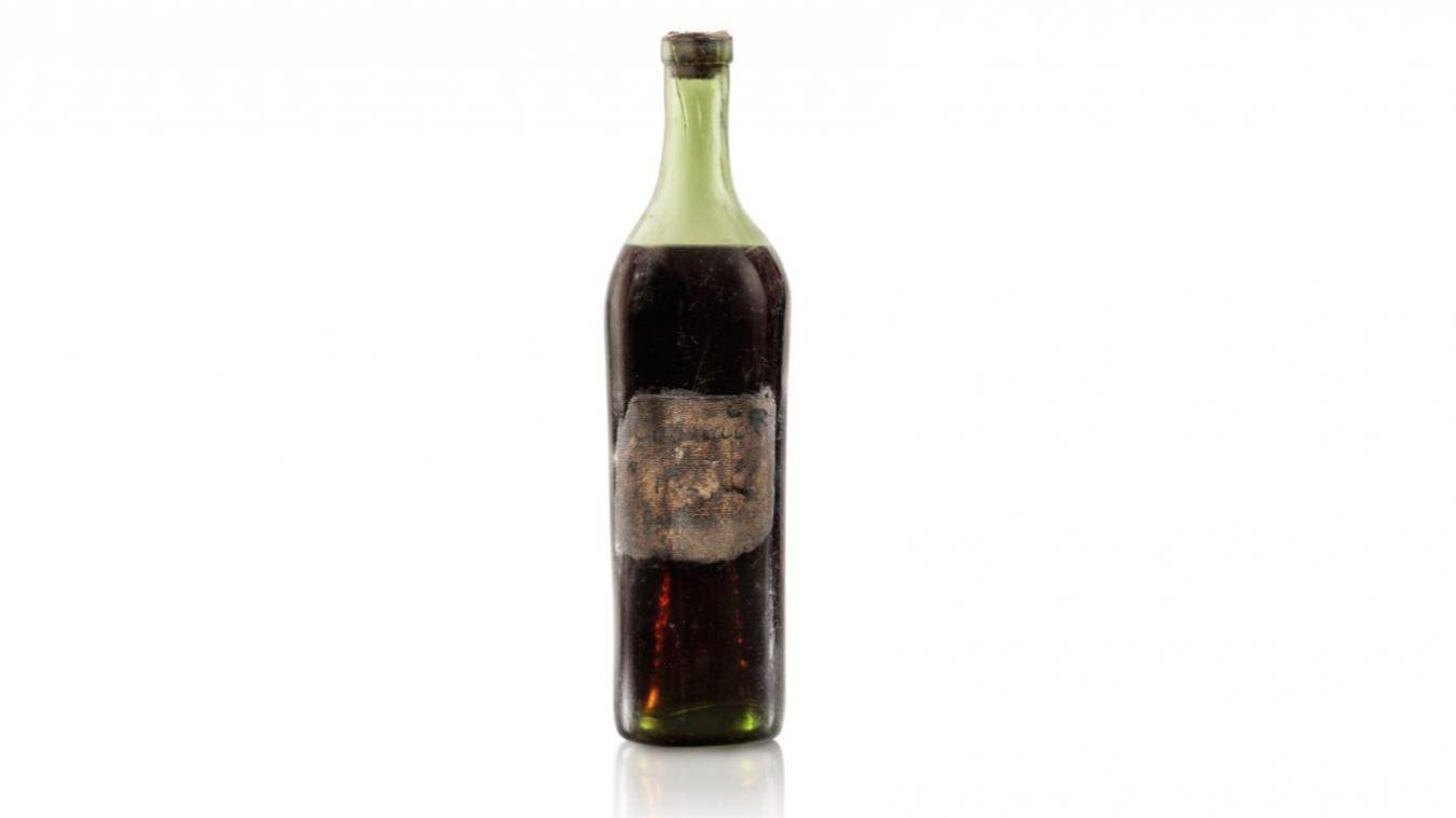 Une bouteille de cognac, âgée de 258 ans, vendue à 131 000 euros aux enchères