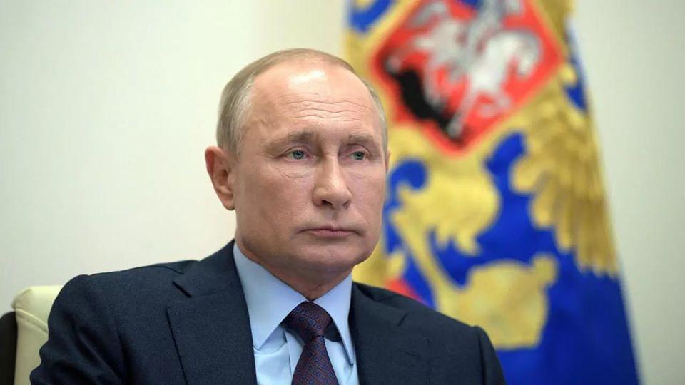 Coronavirus : Poutine revendique un vaccin efficace avant même le début de la phase 3 des essais