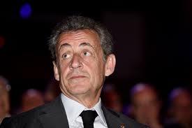 Quand l'ancien président Français, Nicolas Sarkozy , associe «singe» et «nègre»