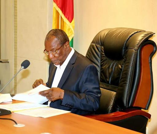 Présidentielle en Guinée : pour Alpha Condé, « c'est comme si nous étions en guerre »