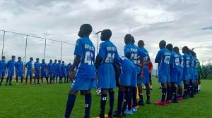 Vidéo - Le jour où les 40 élèves ont ouvert l' Académie de Football Antonio Souaré à Yorokoguia