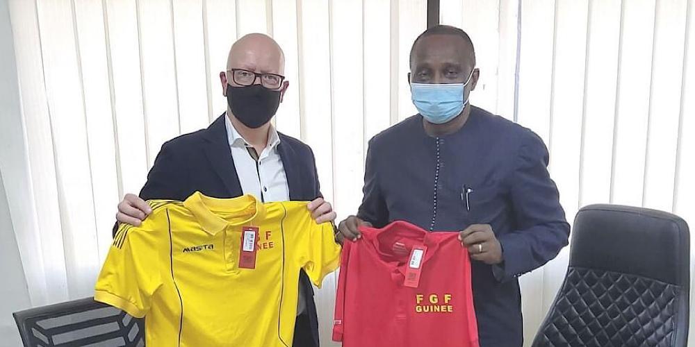 Signature d'un contrat de partenariat entre la Féguifoot et l'équipementier Masita