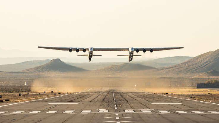 Le Roc, l'avion le plus grand du monde, reprend les airs