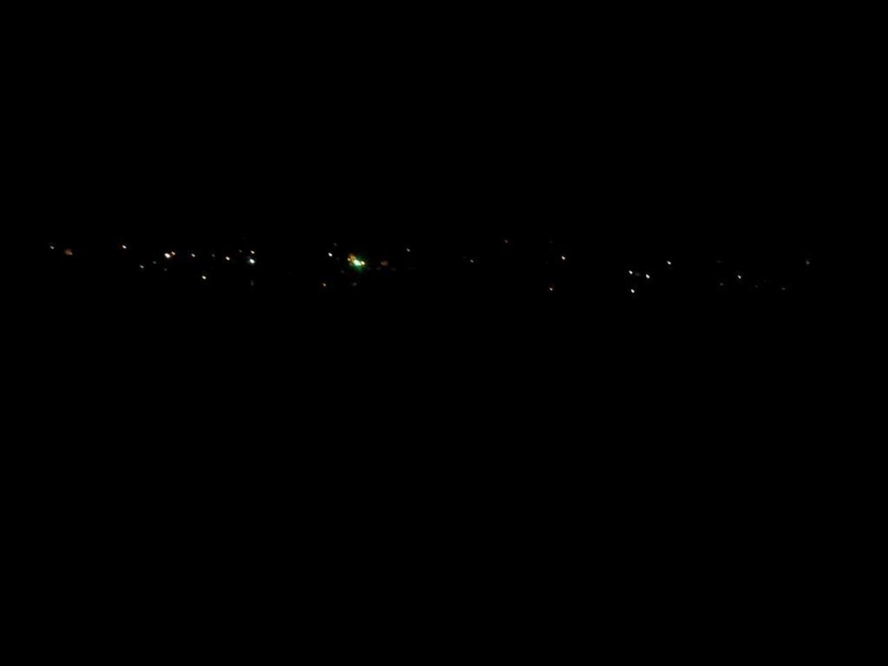 Plongés dans l'obscurité depuis trois jours, des habitants de la Cimenterie expriment leur ras-le bol