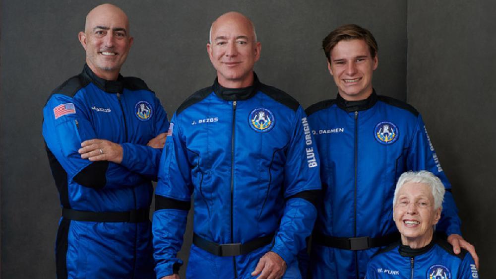 Tourisme spatial: le milliardaire Jeff Bezo en route pour l'espace