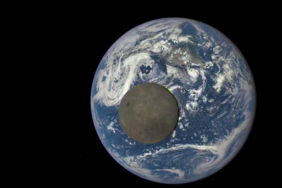 Le «côté sombre» de la lune photographié
