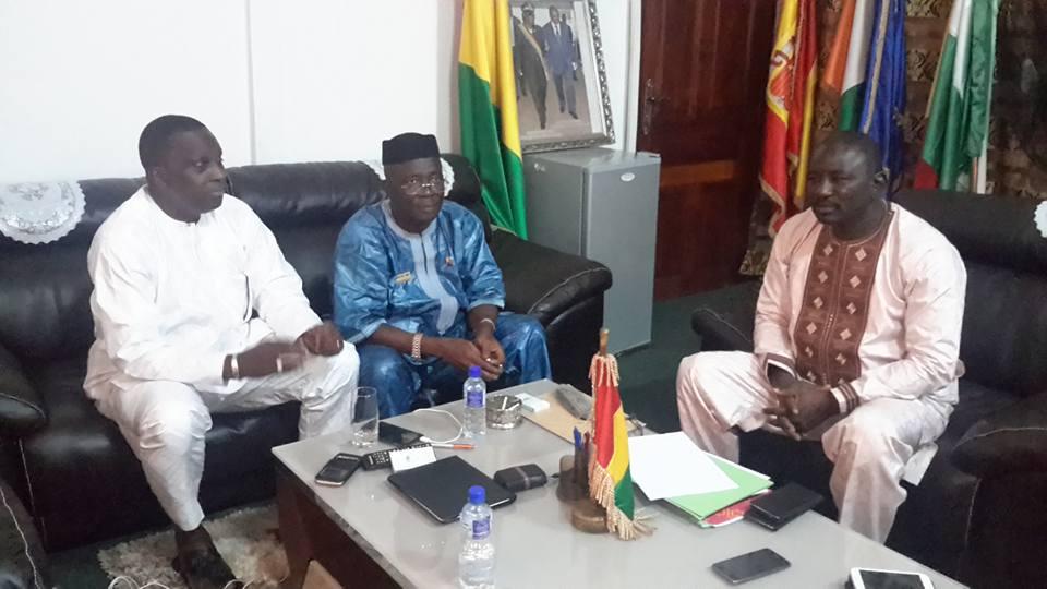Assainissement et embellissement de Conakry : Réunion de travail PDG Guinée - Games - Gouverneur de Conakry