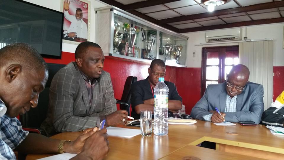 Championnat 2015 - 2016 avec Ligue Professionnelle : Guinée - Games sponsor du Gangan FC.
