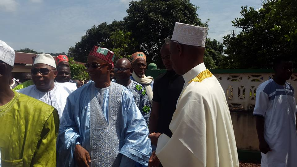 Cellou Dalein Diallo à Nadhel pour l'enterrement du pèrede  Diallo Sadakaadji