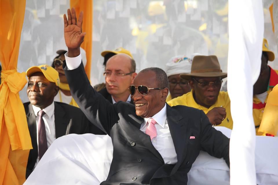 Guinée : la Cour constitutionnelle valide la réélection du président Condé au 1er tour
