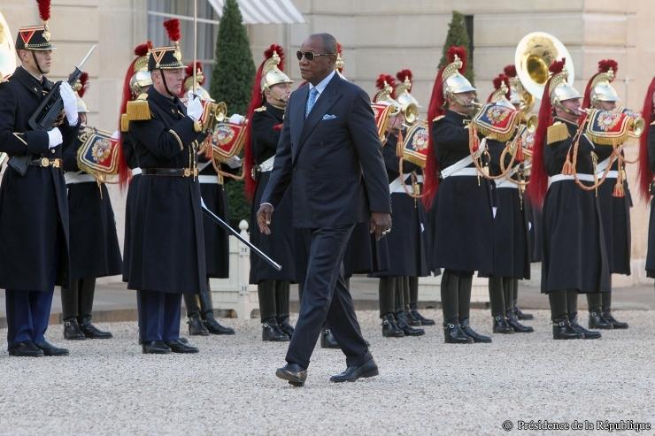Alpha Condé a quitté Paris pour Johanesbourg