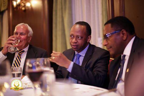 Forum Économique International des Amériques: première prise de contact entre le Premier Ministre et ses hôtes à Toronto