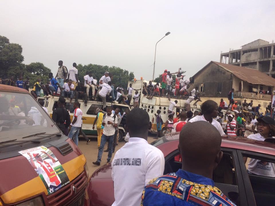 Un carnaval géant supplie Antonio Souaré d'être candidat à la présidence de la FEGUIFOOT: le rédempteur du football guinéen va t-il accepter?