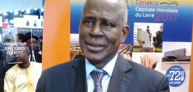 Salon de livre de Paris: l'ambassadeur Amara Camara dans les stands guinéens