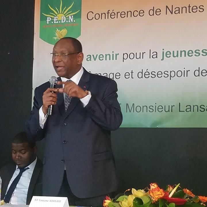 Démonstration de force de Lansana Kouyaté à Nantes en France