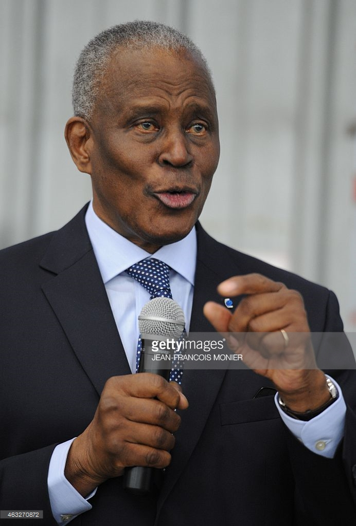 Paris: une nouvelle délégation est arrivée pour délivrer les passeports biométriques