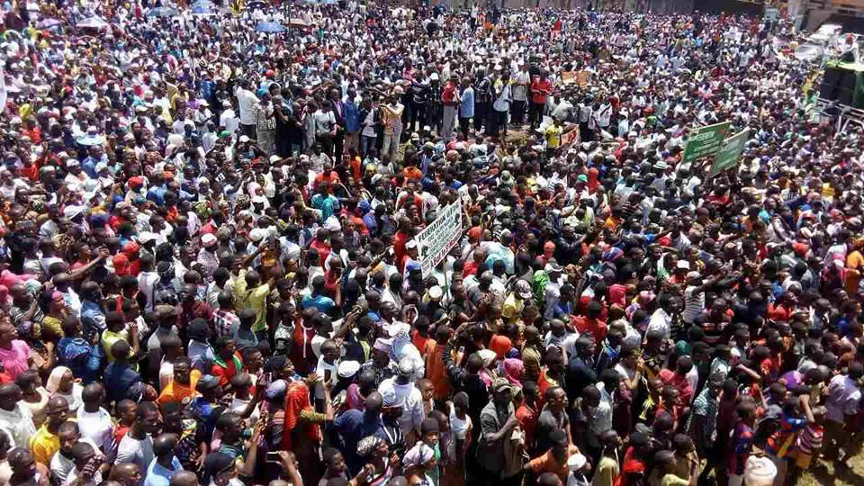 Alpha Condé bientôt face à une série de manifestations à Conakry