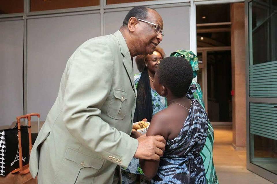 Lansana Kouyaté s'offre un bain de foule à Abidjan