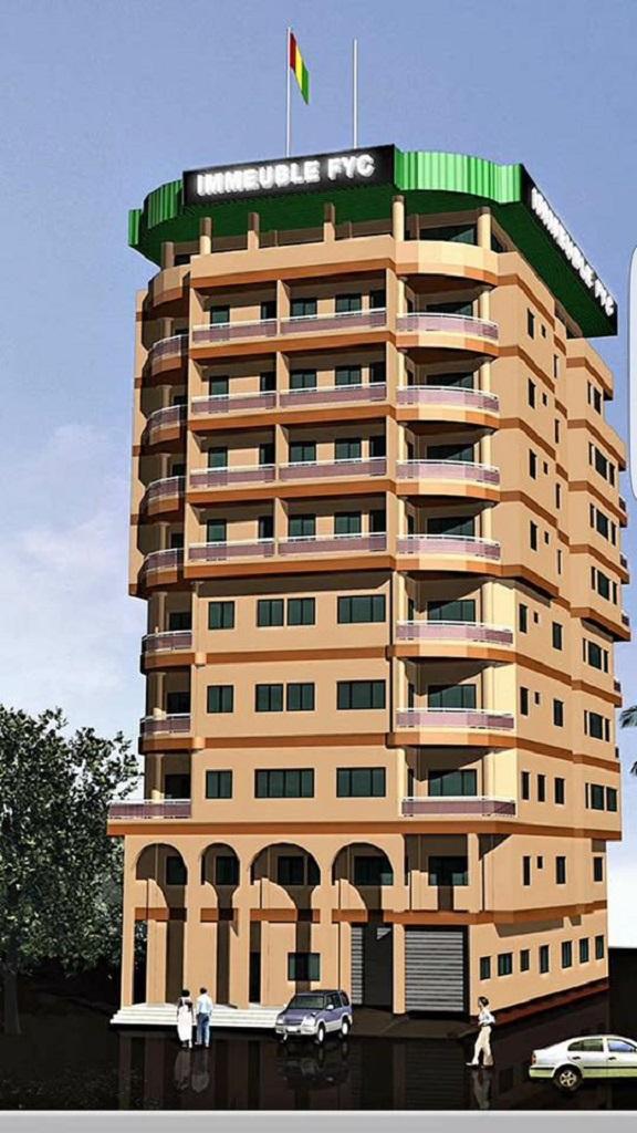Les immeubles baptisés des noms de ses père et mère : FYC et Foulé et des initiales de KPC , sont des propriétés privées de Kerfalla CAMARA
