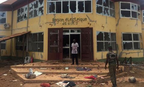 Boké: privés d'électricité, des manifestants s'en prennent aux symboles de l'Etat