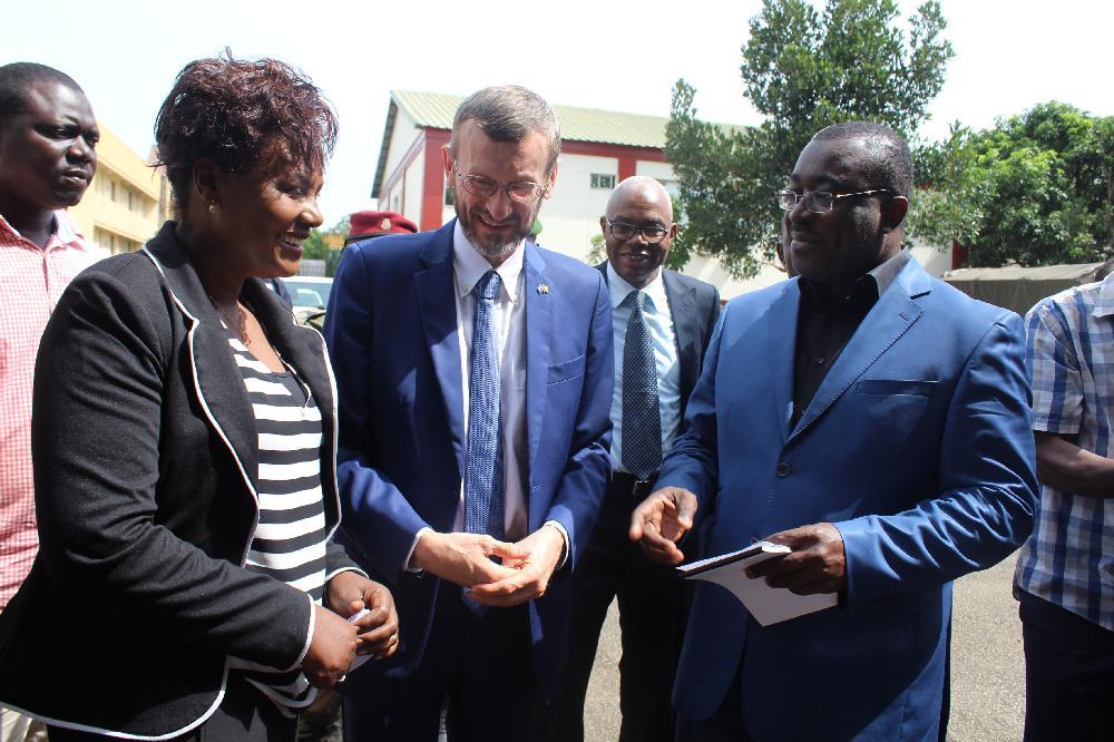 Le système des Nations Unies en Guinée fait don de véhicules et des outils informatiques à la CENI