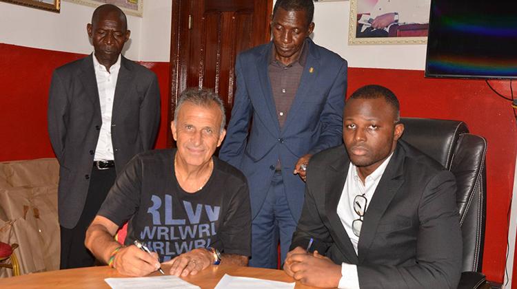 Zvunka prolonge d'une saison son contrat au Horoya AC