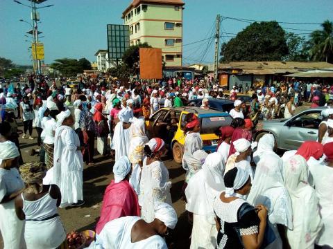 Guinée: des milliers d'