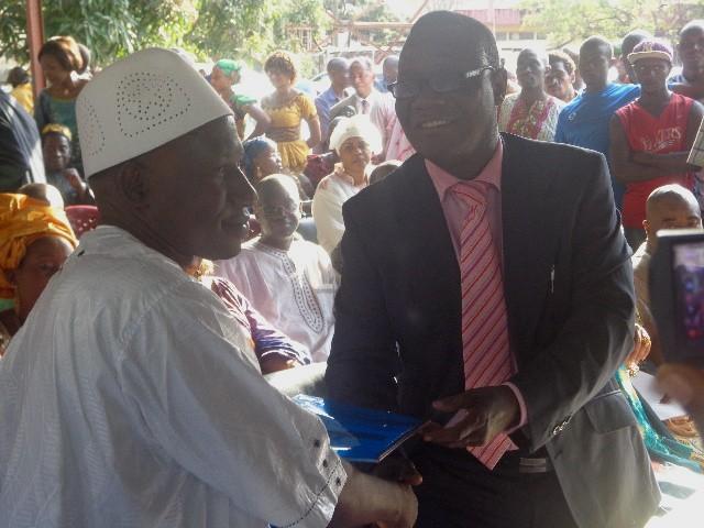 Le ministre de la communication,Alhousseny Makanera, un ancien